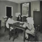 Dr. advises Mum in clinic c.1920 LMA_4314_07_005_0004