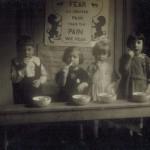 Brushing teeth 1925 MG_07_02_020